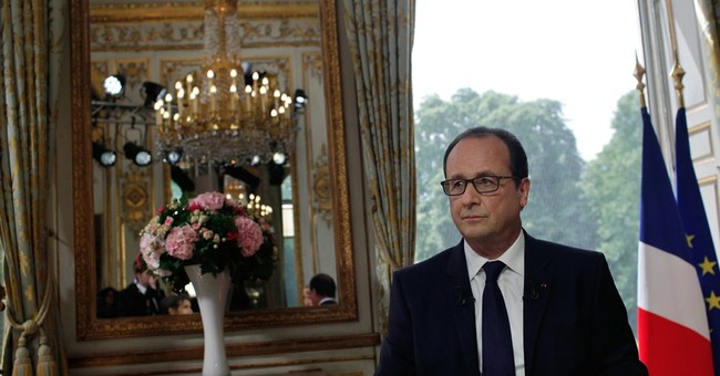 New French first lady? Hollande stays mum
